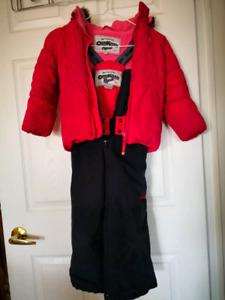 Size 4T Oshkosh snowsuit.