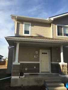 Beautiful 2 bed/2bath/Garage,Condo Available for YOU!