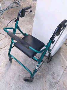 Walking assistance chair