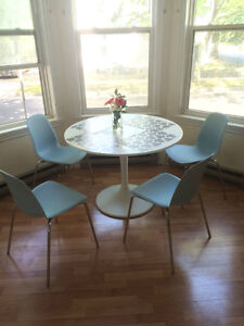 AMAZING SUMMER SUBLET-ROBIE ST.close to DOWNTOWN,DAL,SMU, KINGS