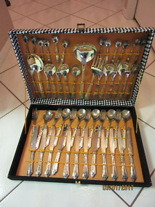 51ps SILVER PLATED FLATWARE CUTLERY SET