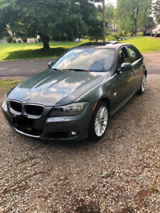 2011 BMW 328I X-DRIVE WITH NAV, EXECUTIVE PACKAGE! CUSTOM PAINT!