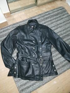 Manteau femme Harley Davidson payé 450$
