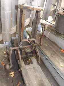 ANTIQUE WOOD DRILL FOR TIMBER AND BEAMS- METAL AND WOOD- WORKING Peterborough Peterborough Area image 1