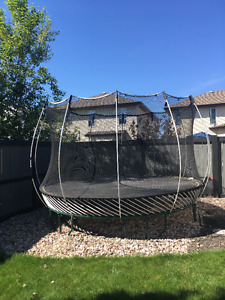 12 Foot Springfree Trampoline with Safety Enclosure