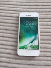 iPhone 5 32GB UNLOCKED VGC