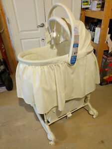The first years 5 in 1 bassinet