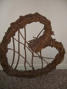 HEART SHAPED WREATH MADE OF TWIGS