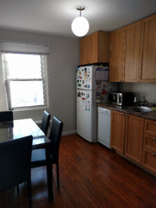 Available Sept 1st, 2 bedroom apartment on West Campus of Queens