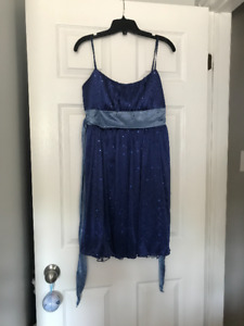 Preowned blue formal prom dress from Le Chateau