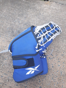 Reebok street hockey goalie glove