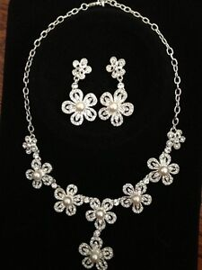 Wedding necklace and earing set (brand new)