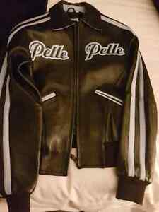 Pelle Women's leather jacket  West Island Greater Montréal image 2