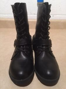 Women's A.Co Boots Size 8 London Ontario image 3