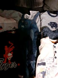 Boys clothes bundle age 9 - 12 months