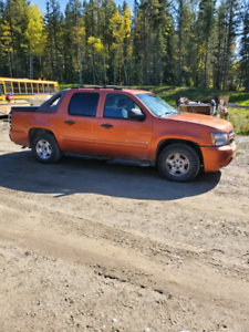 2007 chevy Avalanche for trade