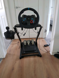 Logitch g20 stairig wheel with stand PS4