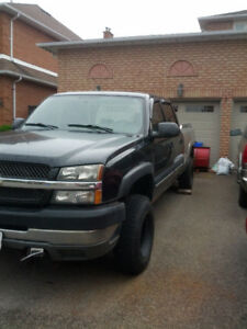 2004 chev pick up 2500 hdwith boss snow plow