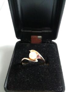 10 K YELLOW GOLD DYN ASTY PEARL RING