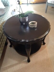 Gorgeous Black Occasional/End Table/Coffee Table