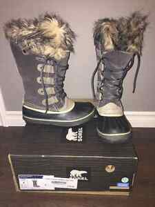 Sorel Joan Of Arctic Winter Boots in Shale.