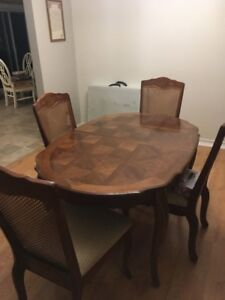 Dinning Room Table Chairs And Hutch