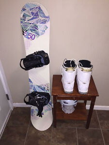 Woman's snowboard + set up