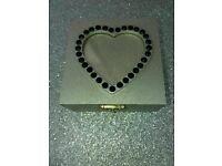 Jewellery/trinket/keepsake box