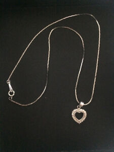 White gold plated 18k chain with a heart pendants zircon silver