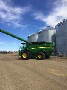 2012 S690 John Deere Combine. LEASING AVAILABLE 780 SEP HRS