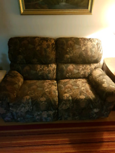 Couche and recliner