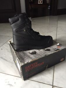 Dickies Safety Boots (Size 13)