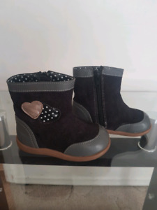 Size 6 baby girl boots