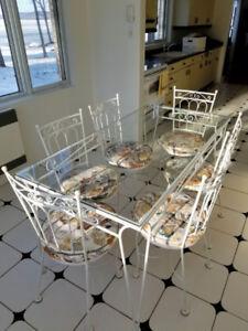 Table à diner en fer forgé et 6 chaises