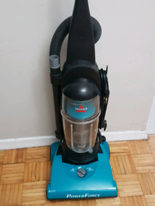 Bissell PowerForce Bagless Upright Vacuum cleaner. Model: 12404