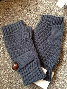 Fingerless gloves London Ontario image 1