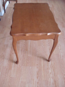 Queen Anne Solid Wood End Table