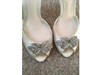 Jenny Packham size 5 ivory shoes