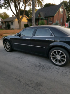 2009 Chrysler 300 6cyl fully loaded