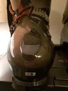 Mens Atomic Live Fit used ski boots size 28.5