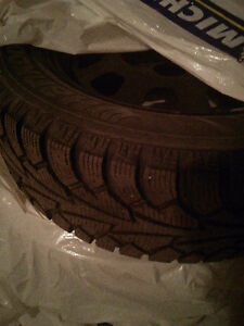 Hankook winter tires and rims P215/65 R1798T