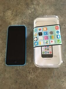 iPhone 5c-8gb-Blue-With Rogers