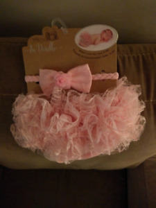 Diaper cover and bow. 0-3 months