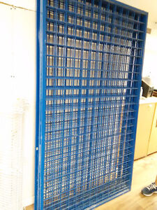 4x8ft Metal grills and shelves.