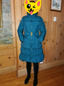 Warm Good Quality Woman's coat. Size 8
