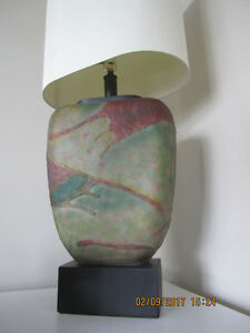 Vintage 1980's Ceramic Table Lamp in almost mint condition.