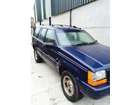 Jeep Cherokee 4.0 petrol 4x4 breaking all parts