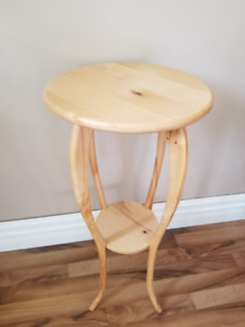 Solid wood plant stand