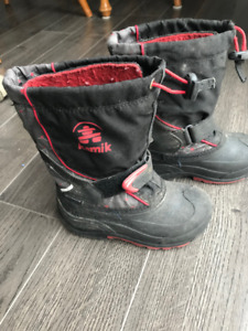 Boys Kamik Winter Boots Size 11 - Black & Red