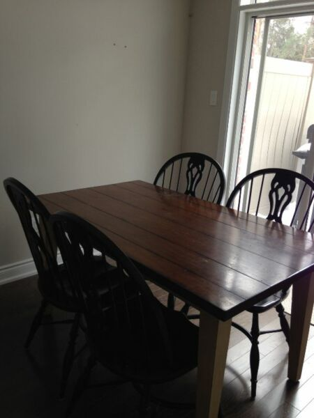 Stunning Country Dining Table Set dining tables and sets  : 20 from www.kijiji.ca size 450 x 600 jpeg 28kB